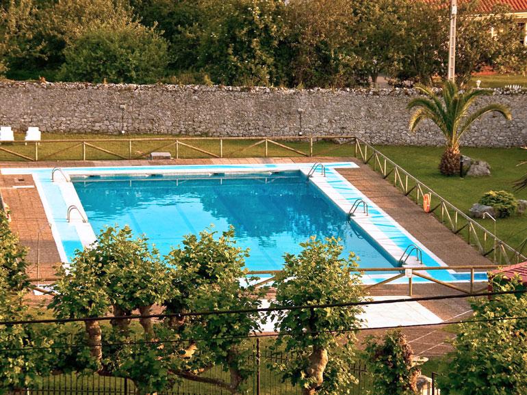 Servicios del hotel hotel palacio de gara a en pr a llanes for Camping en llanes con piscina
